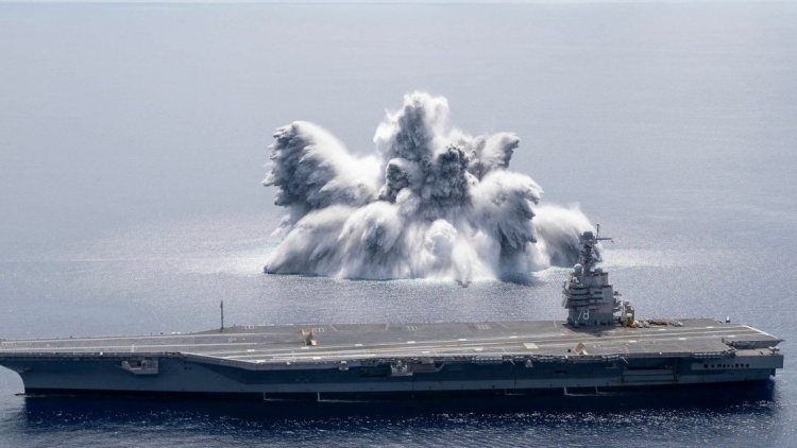 Thông điệp Mỹ gửi Nga và Trung Quốc từ vụ thử chống sốc tàu sân bay