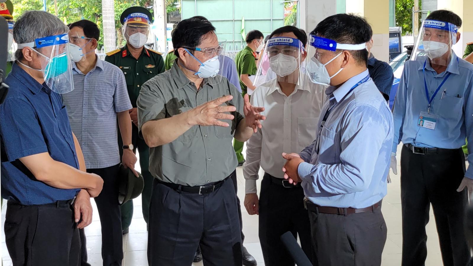 Thủ tướng kiểm tra công tác chống dịch Covid-19 tại TP.HCM
