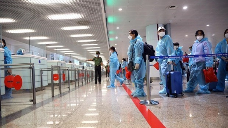 HCM City facilitates international air ticket holders' travel to airport
