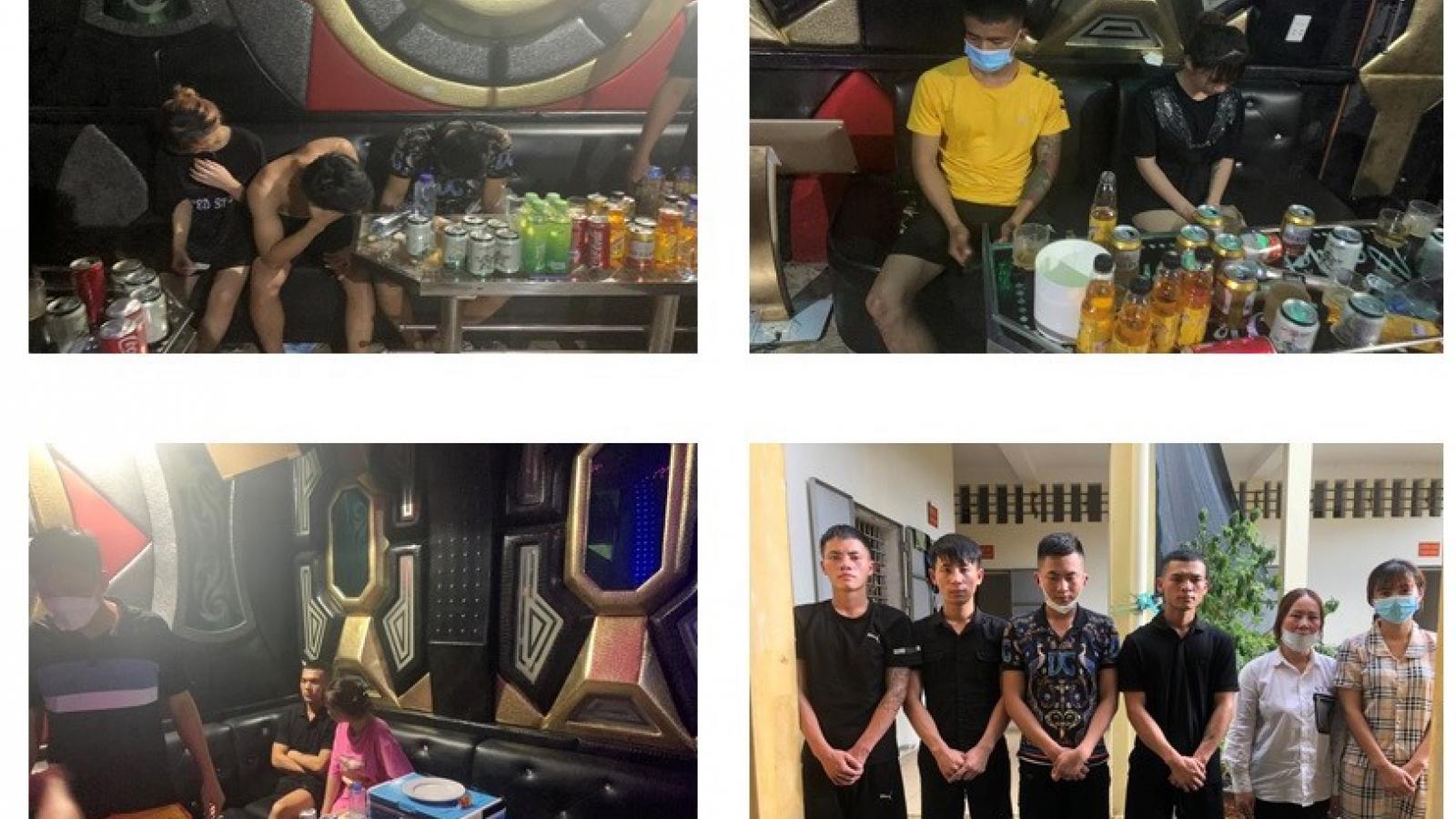 """Lén lút tụ tập tổ chức """"tiệc"""" ma túy giữa mùa dịch"""