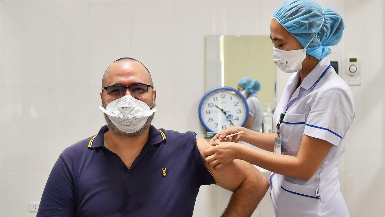 Người nước ngoài ở Việt Nam được đảm bảo chăm sóc y tế, điều trị tích cực nếu mắc Covid-19