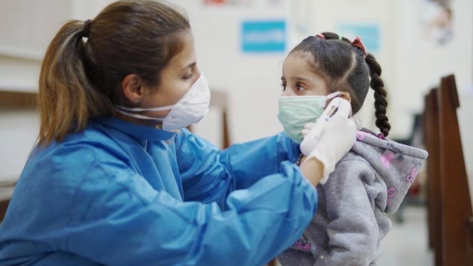 Kỷ lục 1.900 trẻ em ở Mỹ phải nhập viện trong 1 ngày do Covid-19