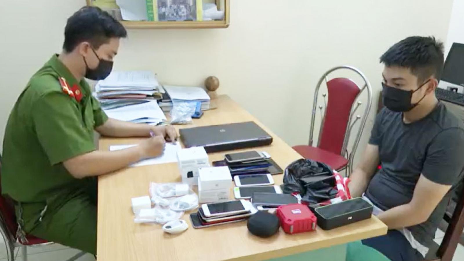 Đặt mua dụng cụ phá khóa trên mạng để trộm cắp hàng loạt tài sản