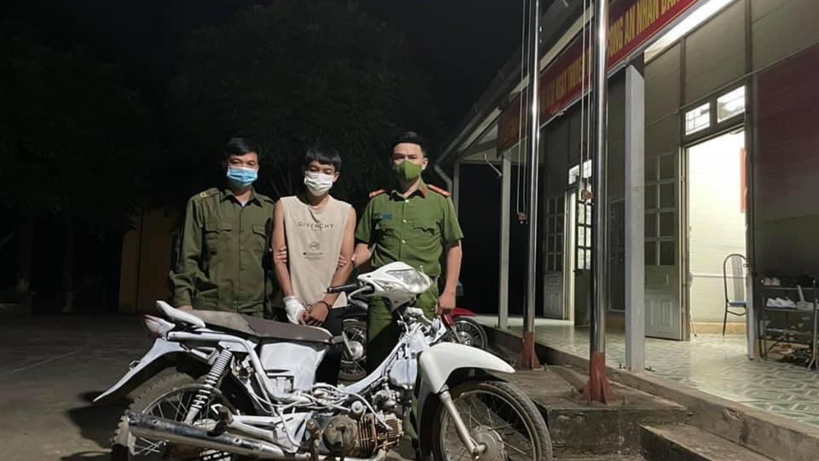 Kiểm tra hành chính, phát hiện đối tượng gây ra nhiều vụ trộm cắp xe máy ở Sơn La