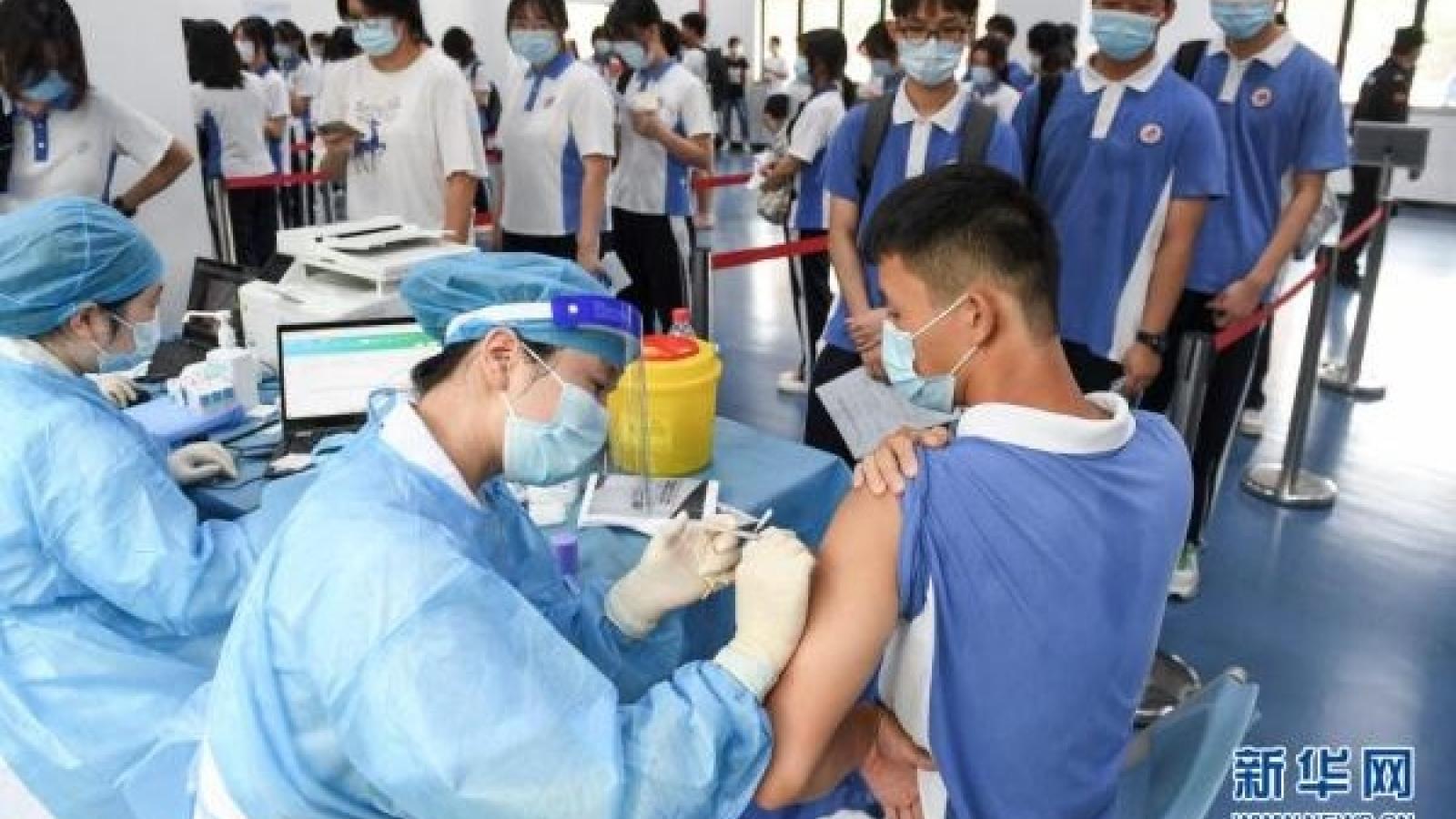 Biến thể Delta hoành hành, Trung Quốc tăng tốc tiêm vaccine Covid-19 cho thanh thiếu niên