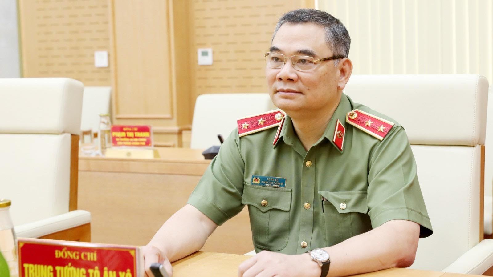 Tăng cường lực lượng công an vào các tỉnh phía Nam để giữ gìn trật tự xã hội