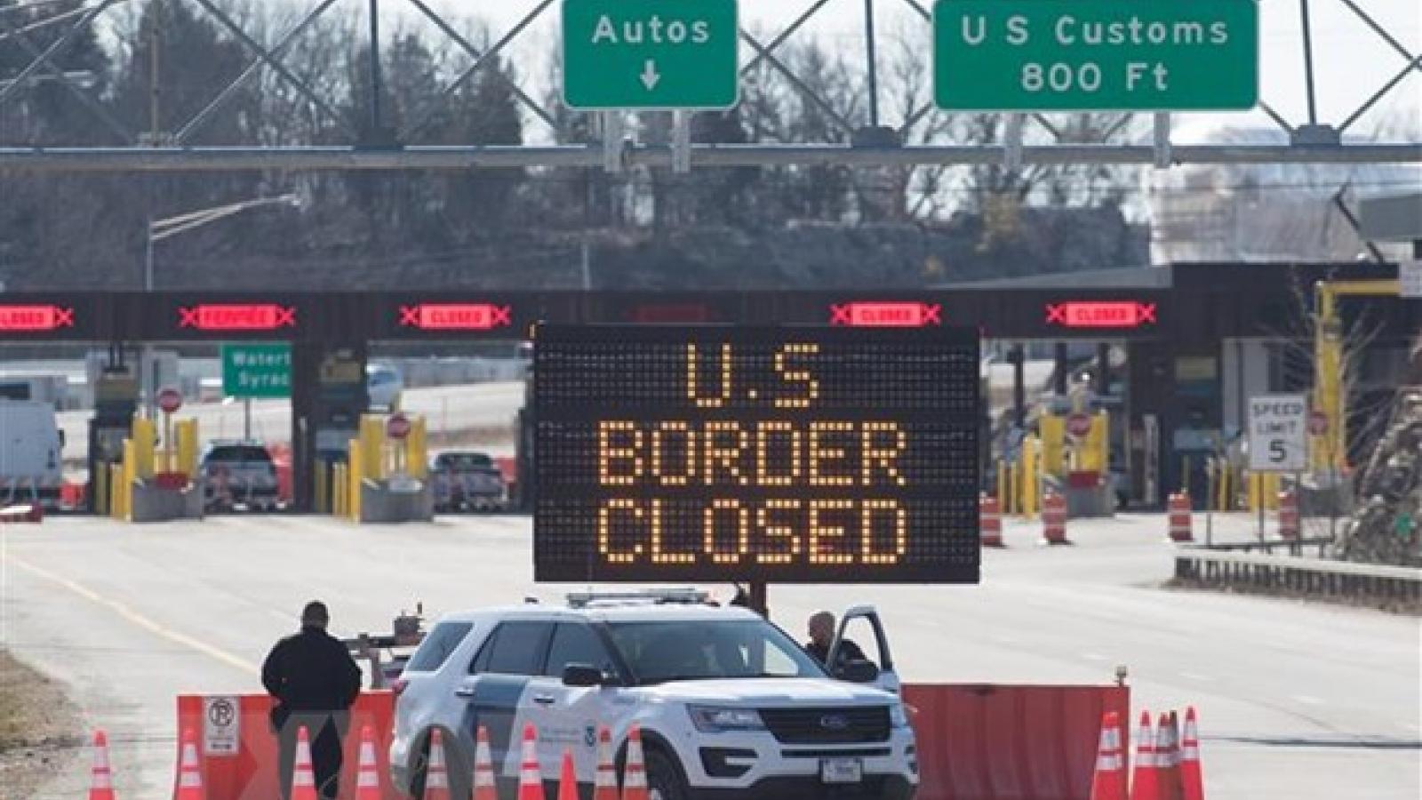 Mỹ tiếp tục hạn chế đi lại không thiết yếu với Canada và Mexico