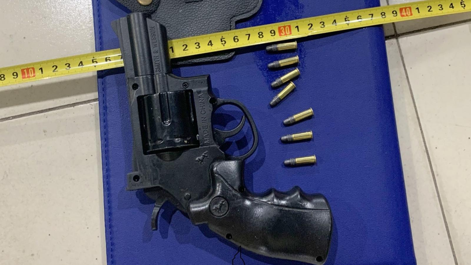 Đồng Tháp khởi tố 4 đối tượng vận chuyển, mua bán trái phép vũ khí quân dụng