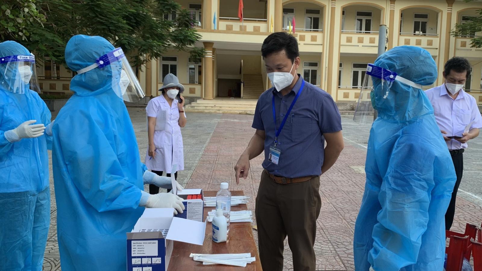 Viện Pasteur Nha Trang hỗ trợ Quảng Bình nâng cao năng lực xét nghiệm COVID-19
