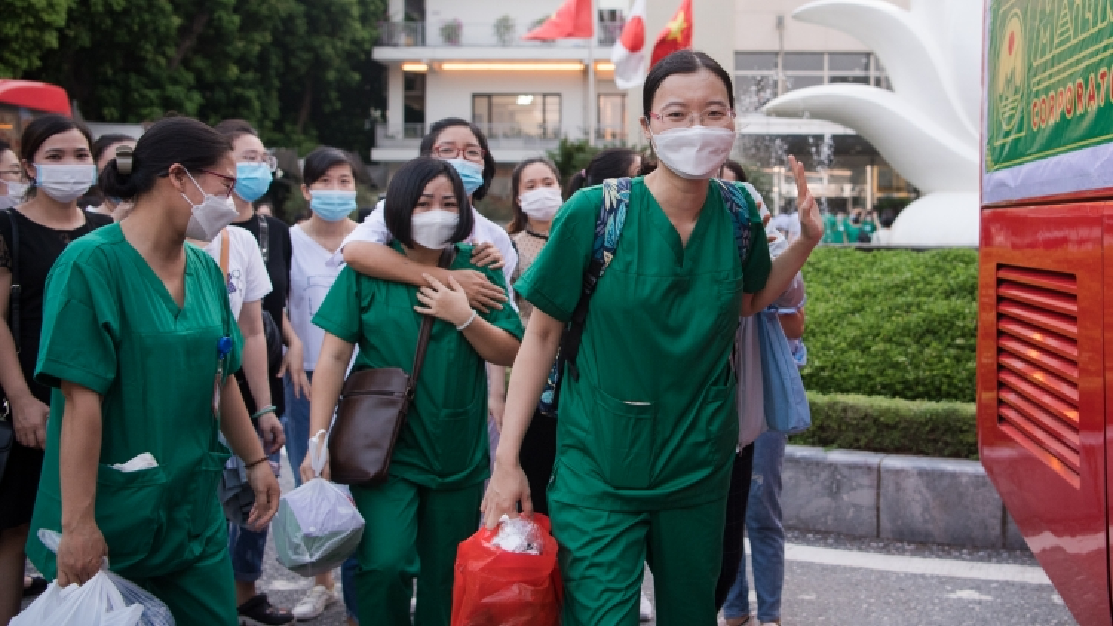 200 giảng viên, sinh viên Trường Cao đẳng Y tế Bạch Mai vào Nam chống dịch