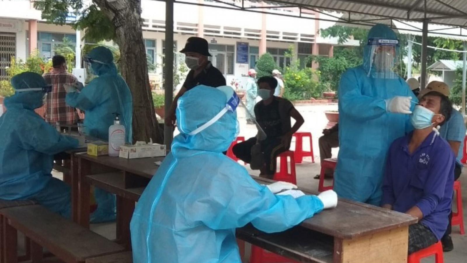 """Tiền Giang phát hiện 400 ca dương tính SARS-CoV-2 tại 6 doanh nghiệp """"3 tại chỗ"""""""