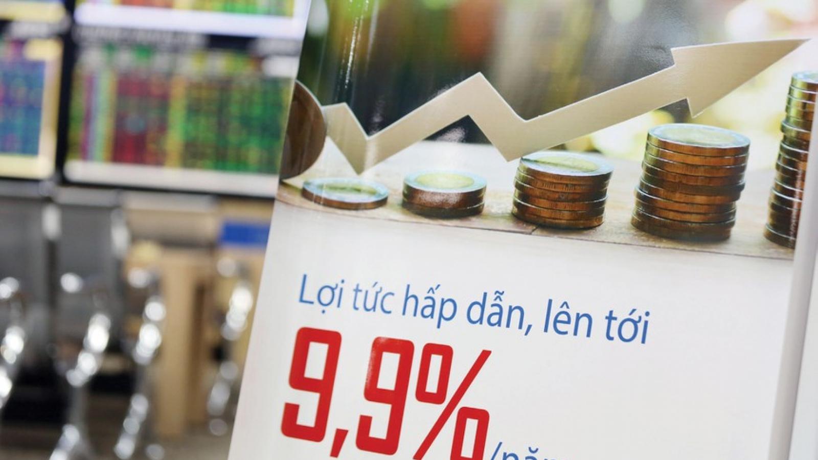 """Cảnh báo rủi ro trước sự """"lớn nhanh"""" của thị trường trái phiếu doanh nghiệp"""