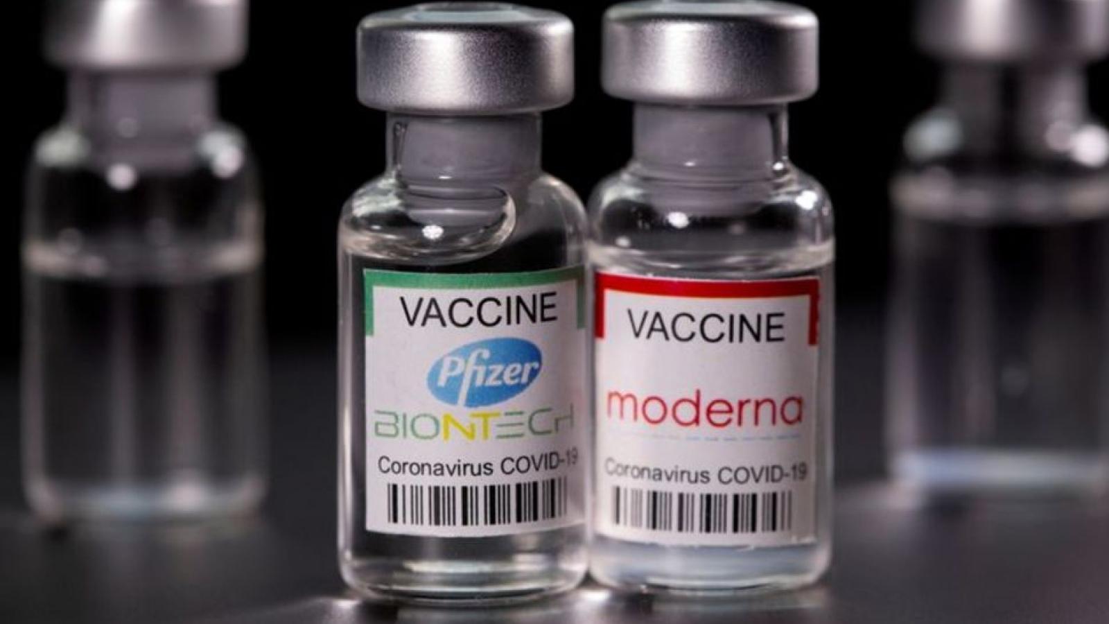 Vietnam considers mixing vaccines with Moderna jab