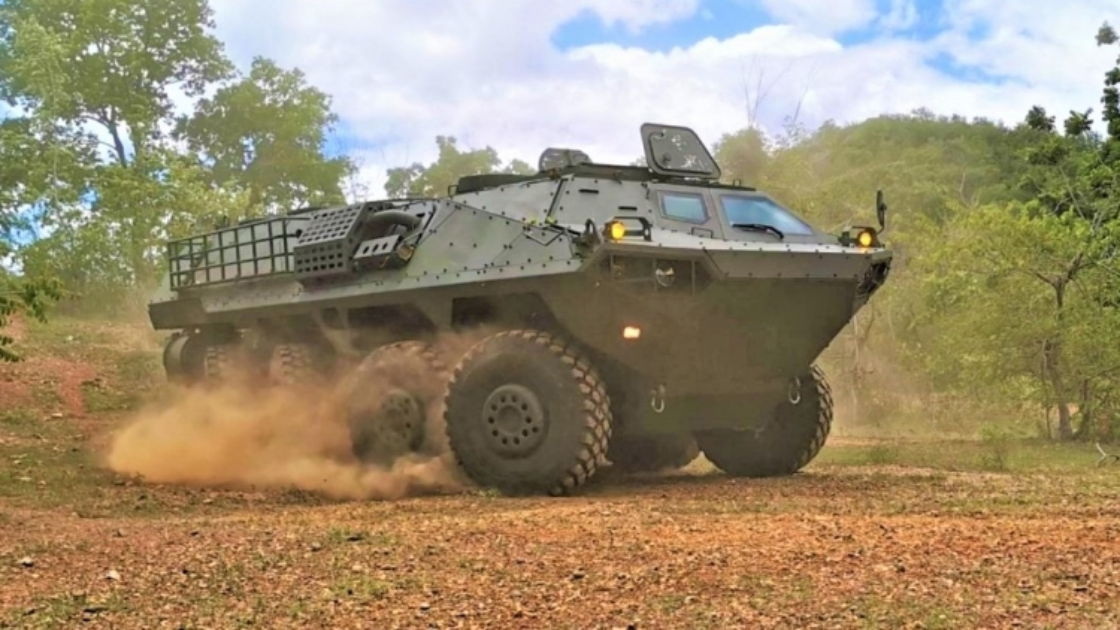 Thái Lan đưa xe chiến đấu bộ binh nội địa Panus R600 vào trang bị