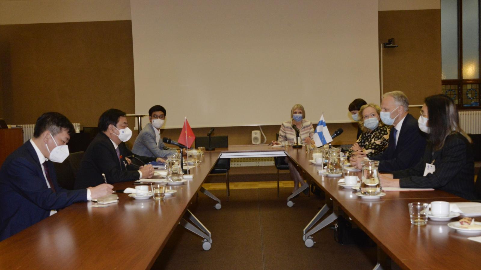 Việt Nam đề nghị Phần Lan hỗ trợ phát triển nông, lâm nghiệp