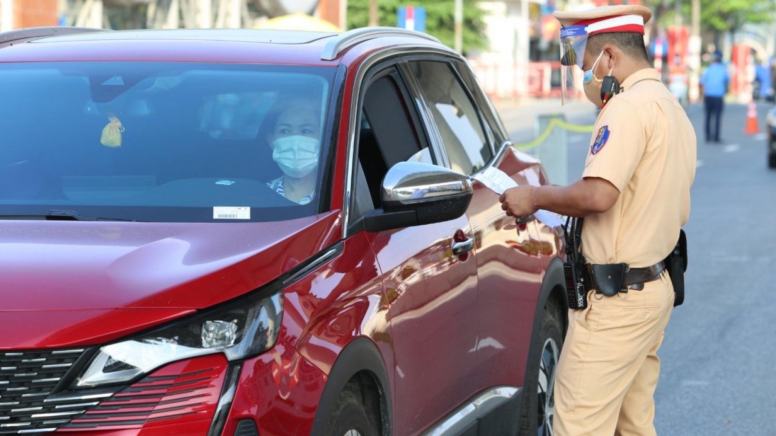 Công an Hà Nội xử phạt 72 trường hợp không có giấy đi đường theo quy định