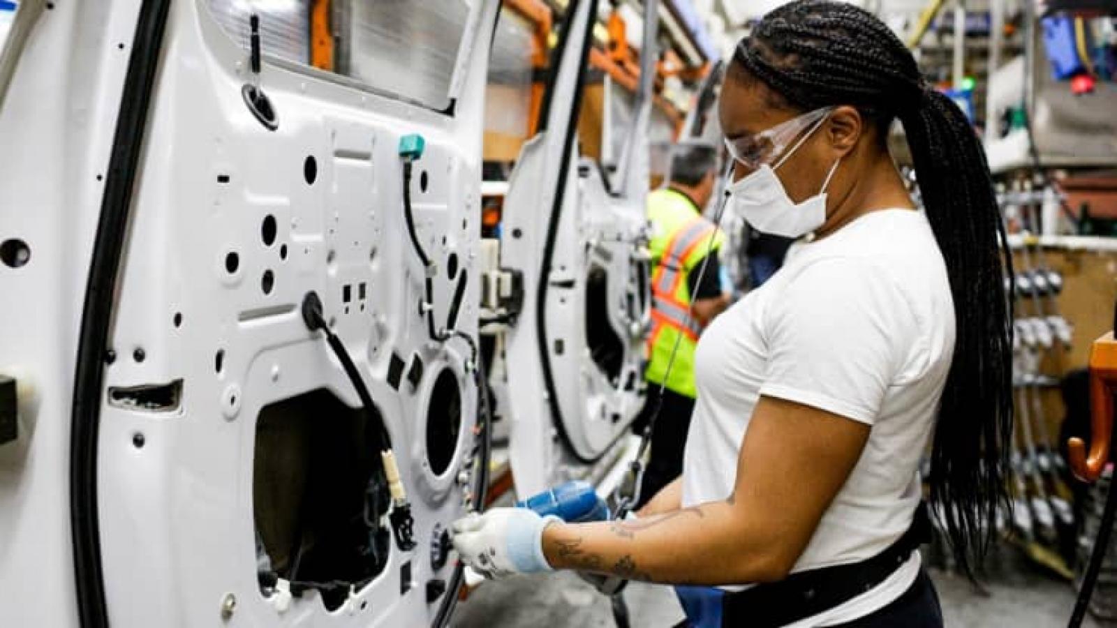 Thiếu chip bán dẫn, ngành công nghiệp ô tô thiệt hại 210 tỷ USD