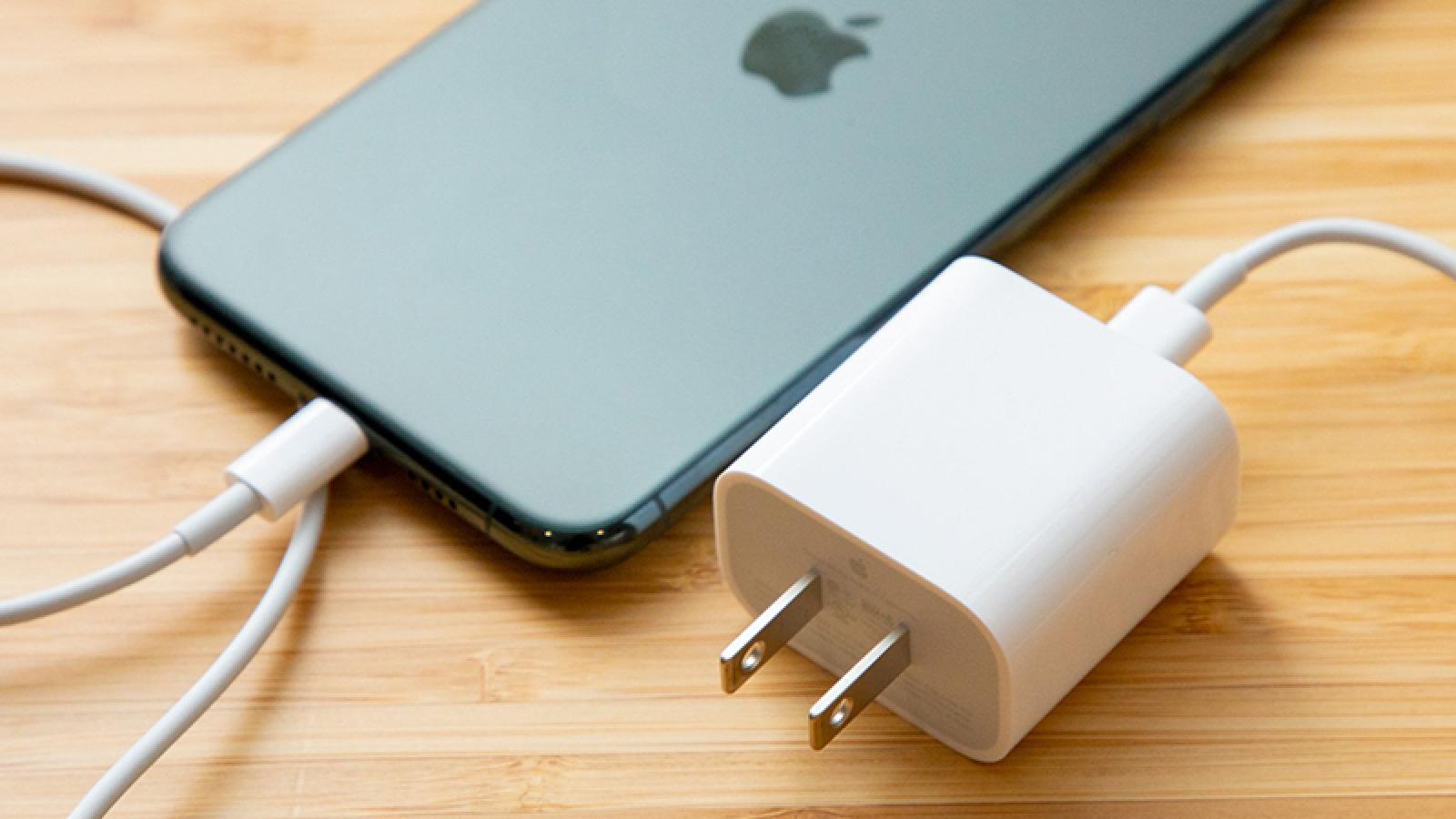 Châu Âu yêu cầu iPhone có cổng USB-C, rời bỏ Lightning
