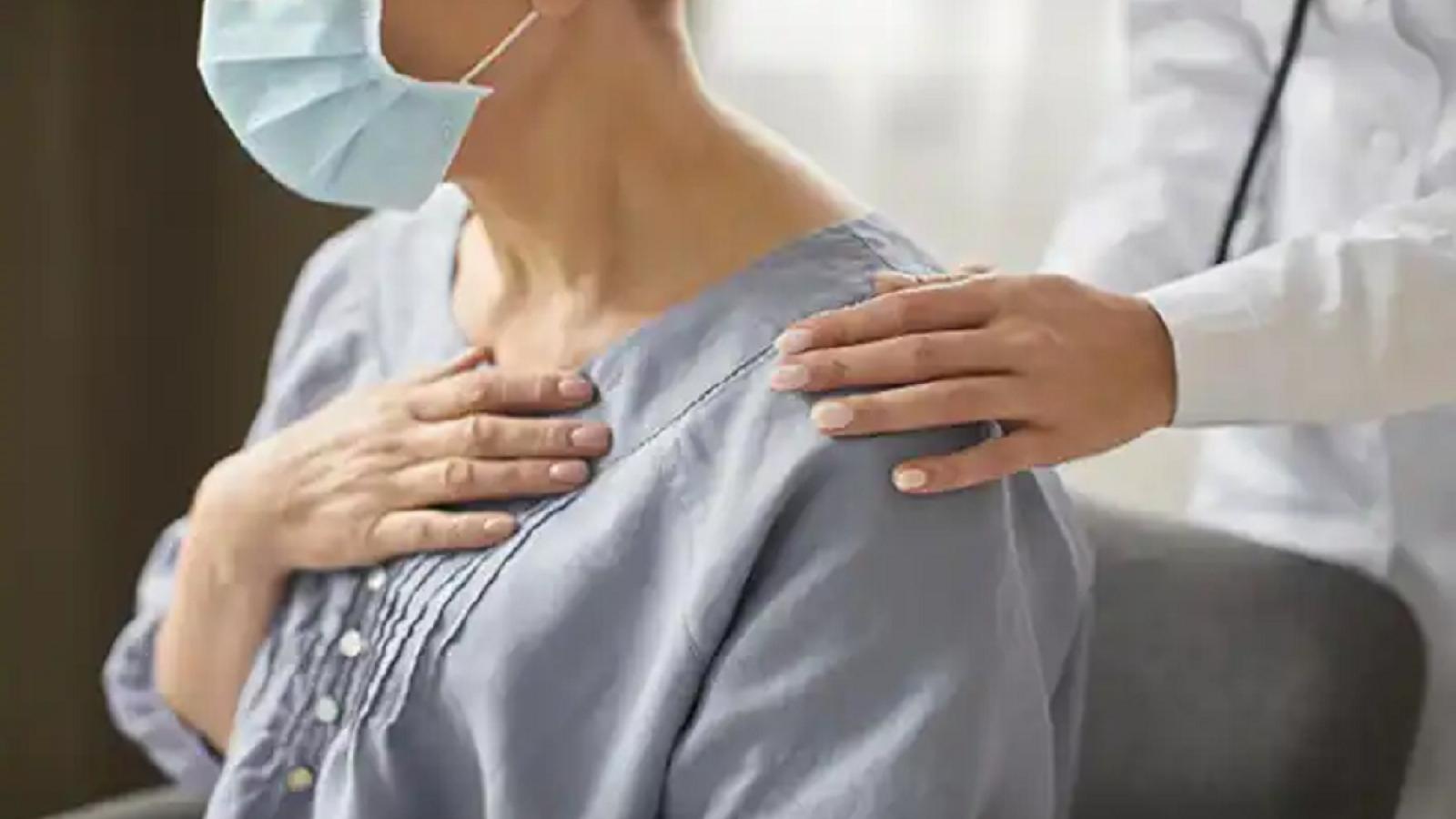Tiêm chủng đầy đủ giúp giảm nguy cơ nhập viện và mắc COVID-19 kéo dài