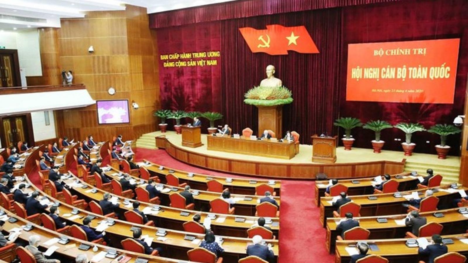 Kết luận của Bộ Chính trị về chủ trương khuyến khích và bảo vệ cán bộ dám nghĩ, dám làm