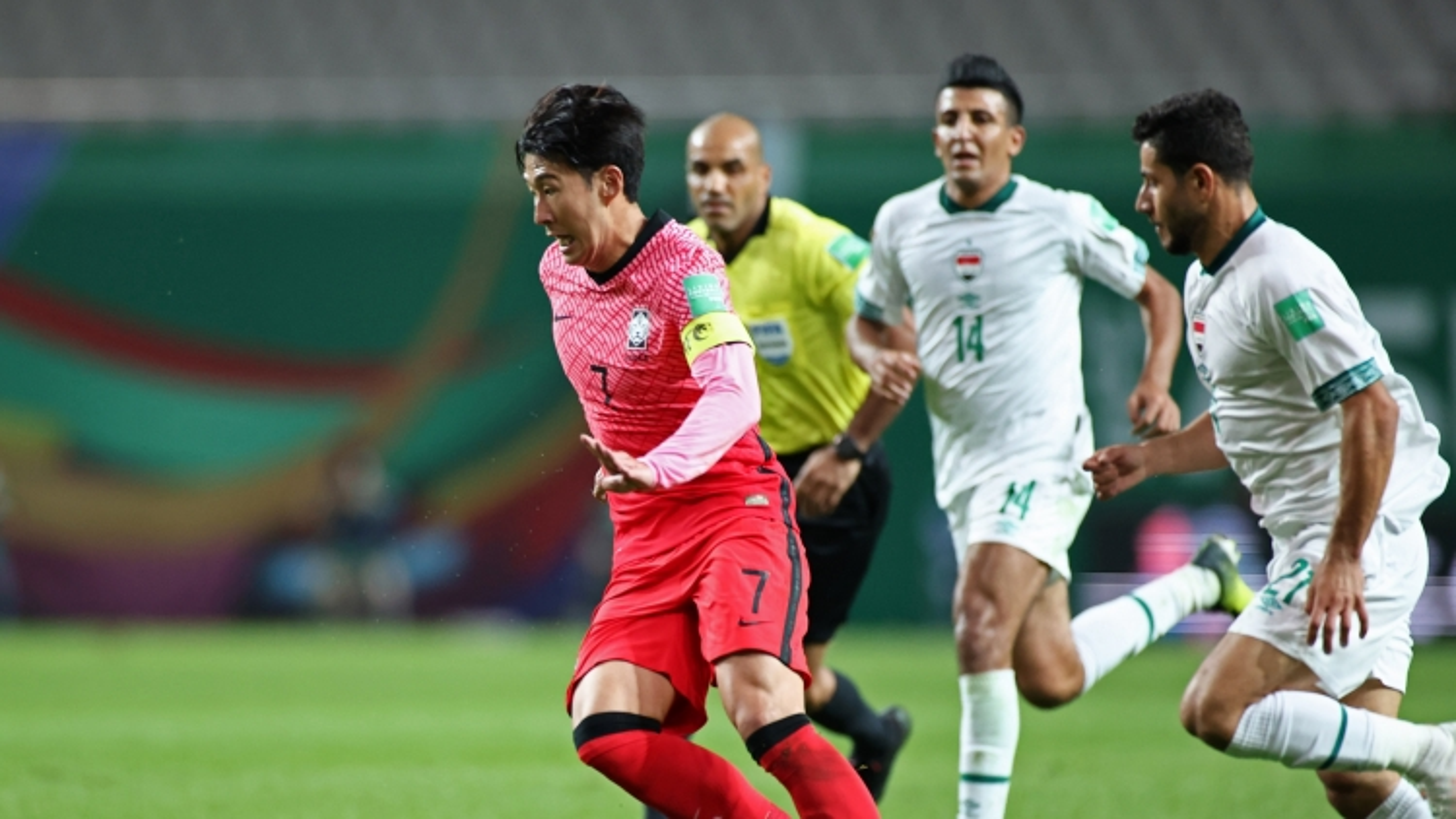 Son Heung-min bất lực nhìn Hàn Quốc bị Iraq chia điểm trên sân nhà