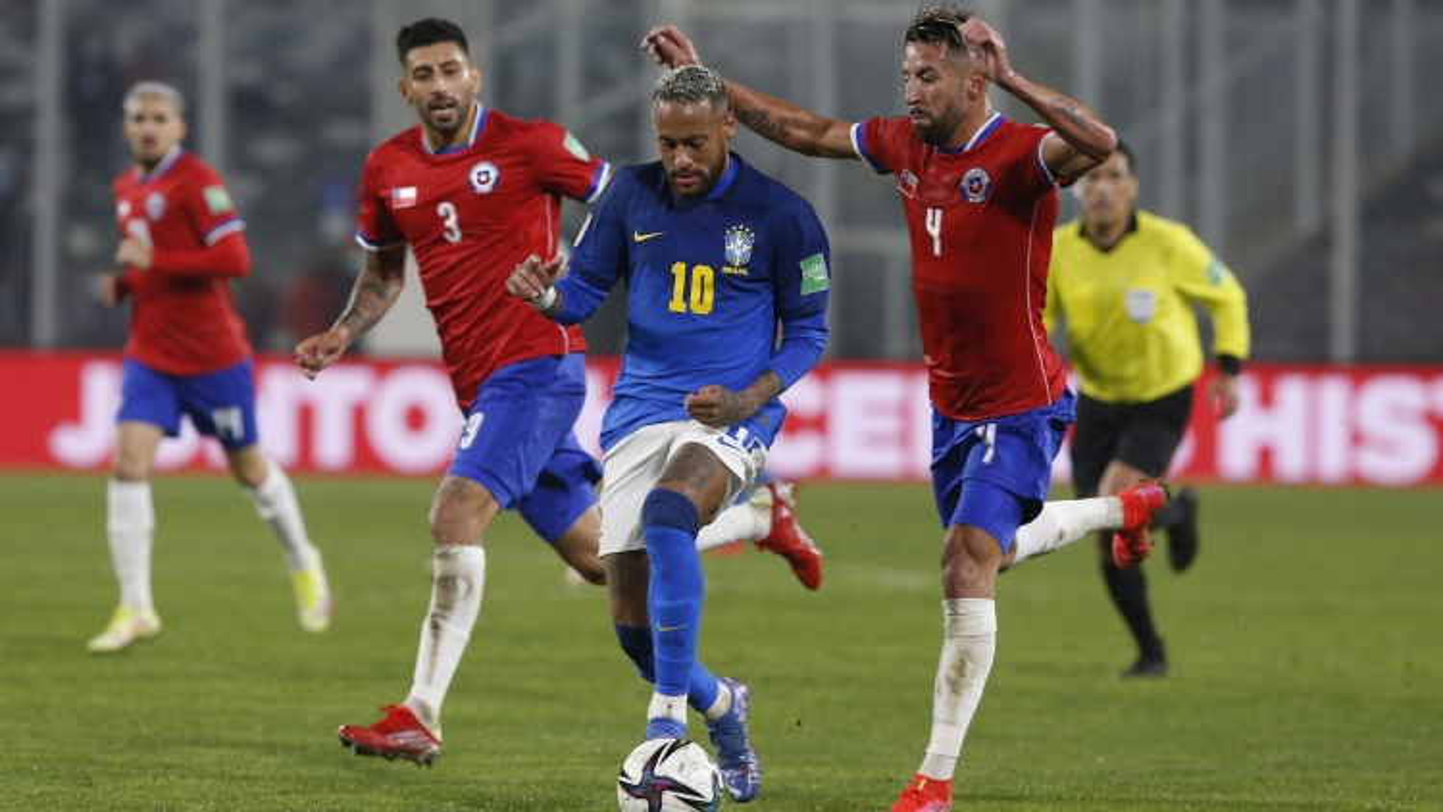 Đánh bại Chile, Brazil chạy đà hoàn hảo trước trận đại chiến Argentina
