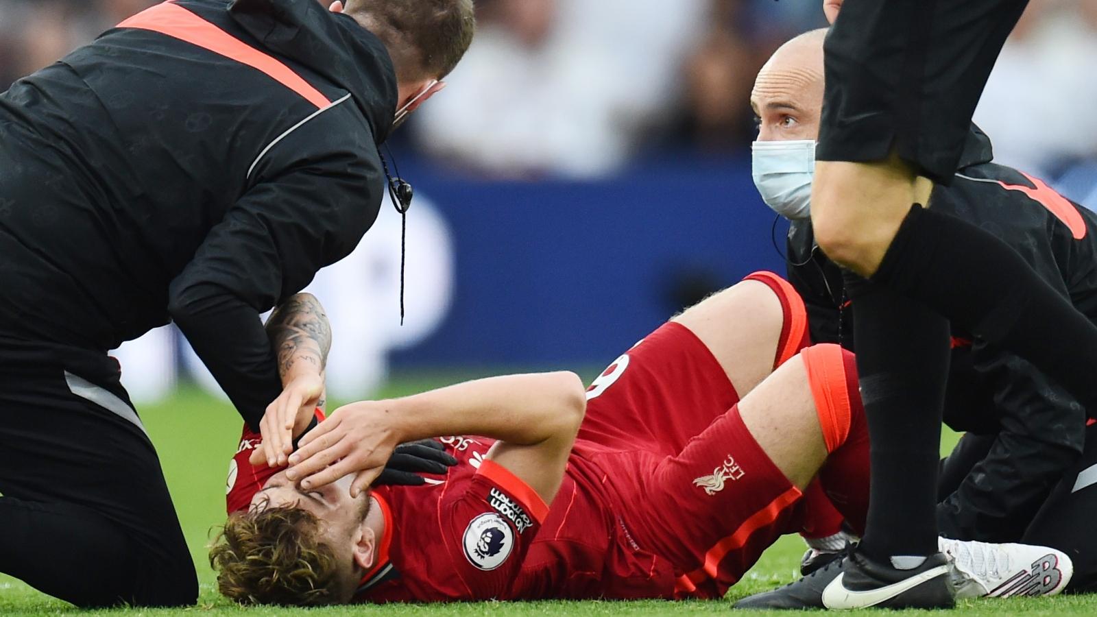 Harvey Elliott chấn thương kinh hoàng trong trận Leeds Utd 0-3 Liverpool