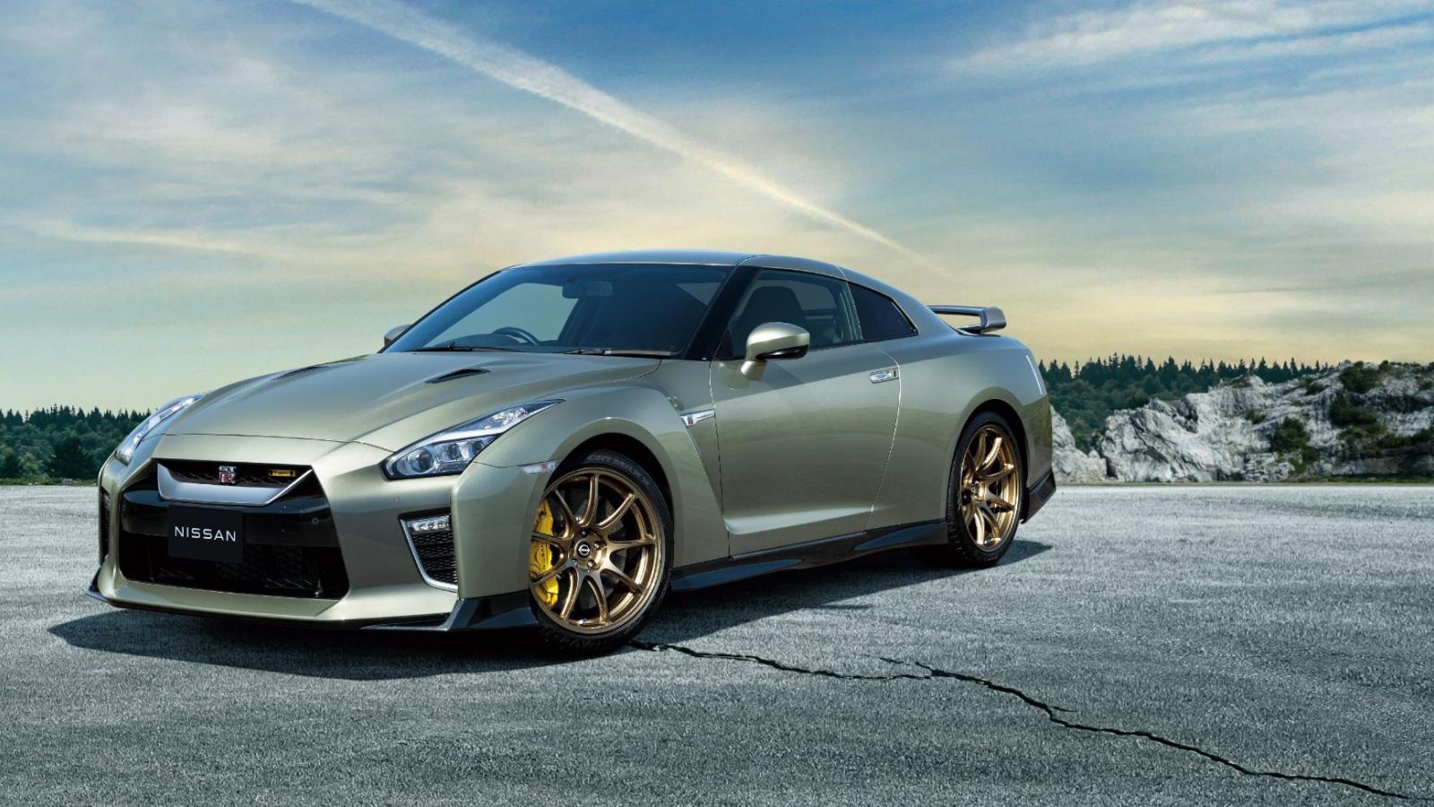 Nissan GT-R T-spec ra mắt với hai màu sơn đặc biệt