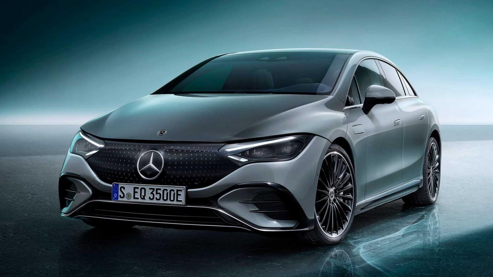 Khám phá sedan chạy điện Mercedes-Benz EQE đầy ắp công nghệ hiện đại