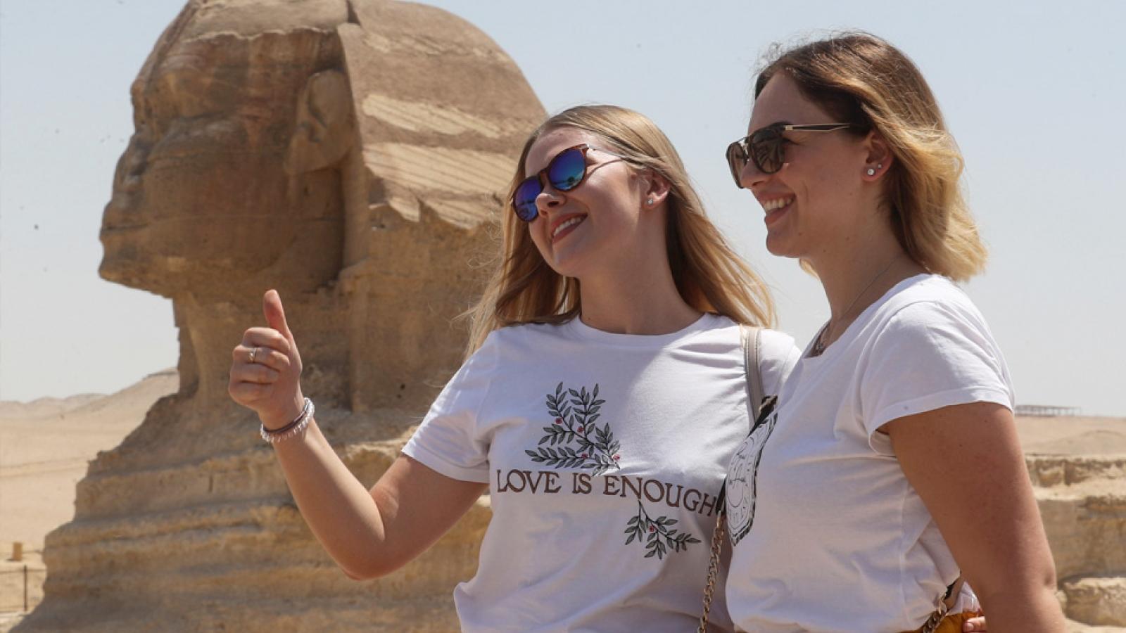 Ai Cập và Nga tăng cường các chuyến bay phục vụ du lịch