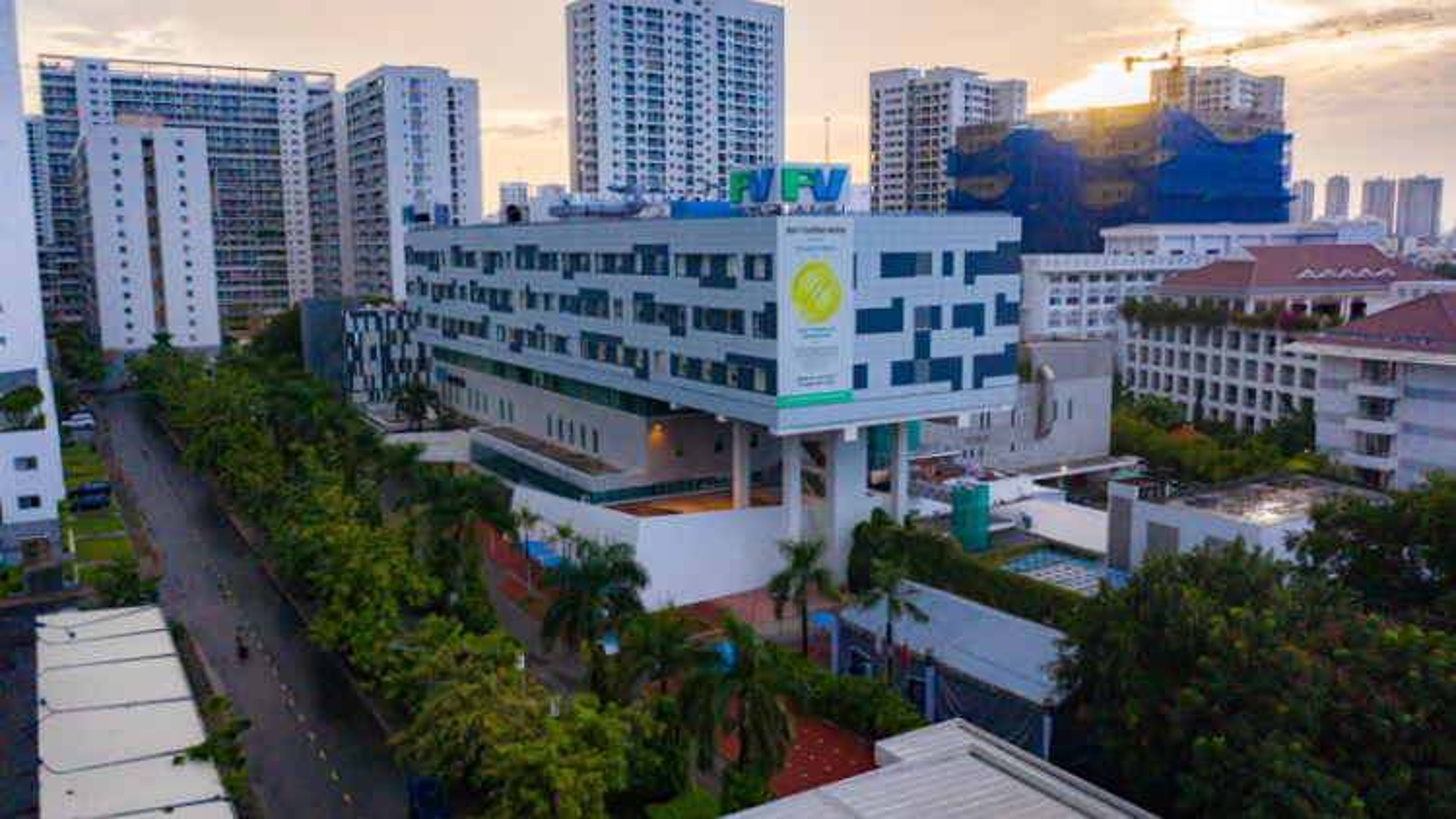 Đề xuất 3 cơ chế thu phí cho bệnh viện tư nhân điều trị COVID-19