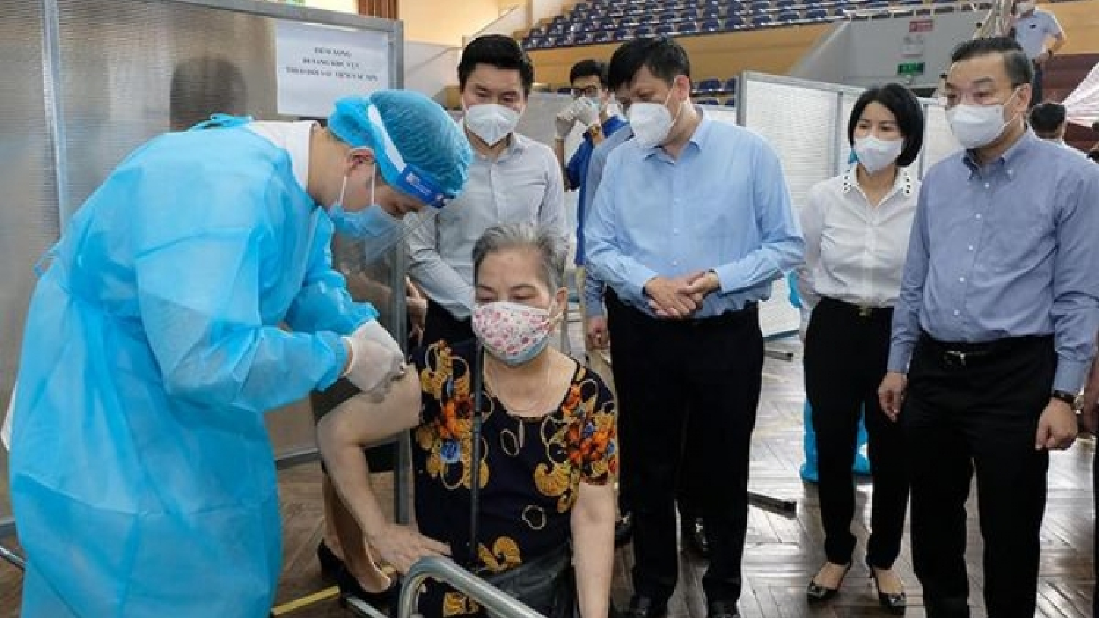 Bộ trưởng Bộ Y tế: Đến 15/9, 100% người trên 18 tuổi ở Hà Nội sẽ được tiêm vaccine