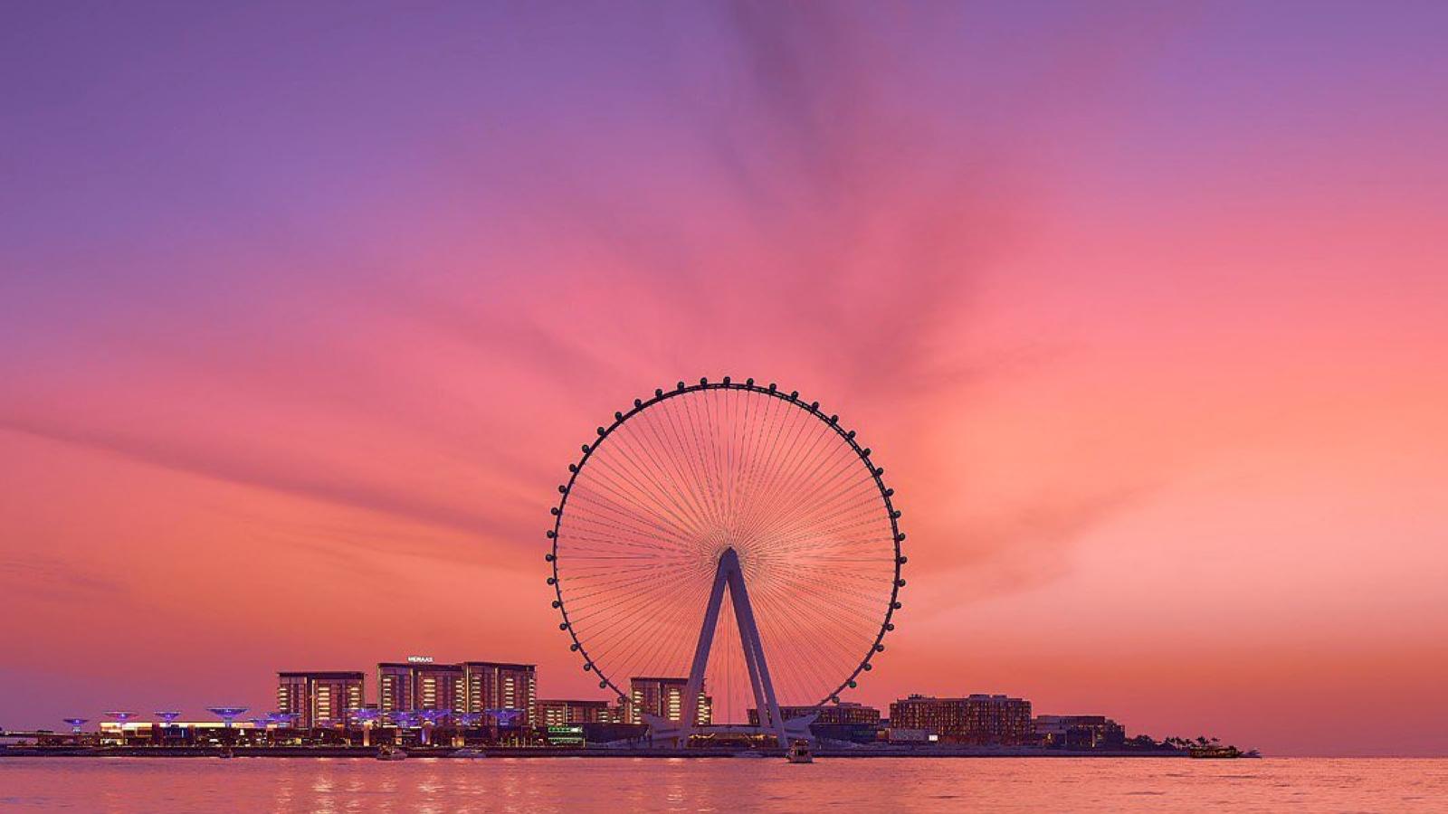 Dubai ra mắt vòng quay cao nhất thế giới, chịu bão cấp 12