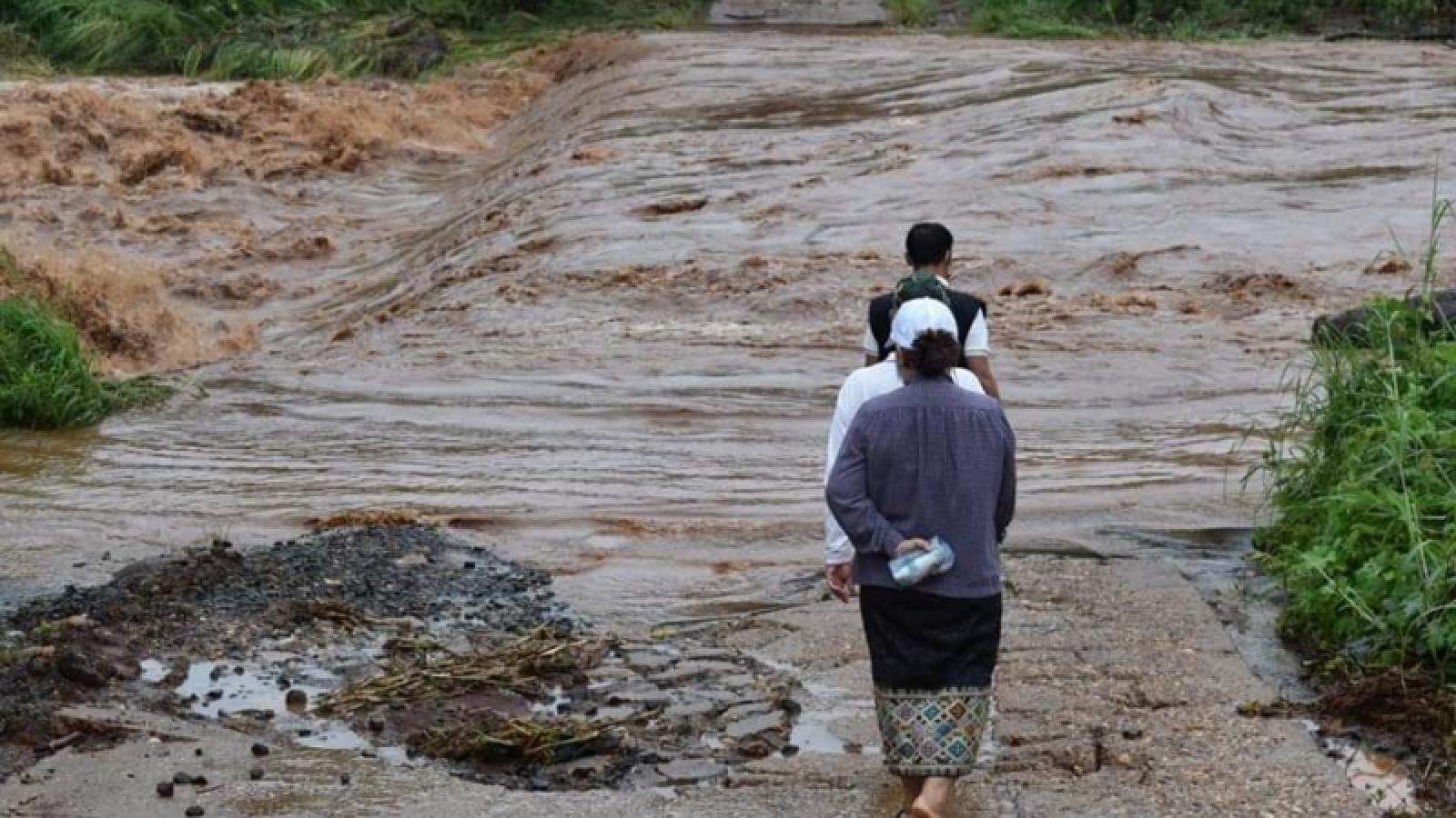 Mưa to kéo dài gây ngập lụt nhiều tỉnh Nam Lào