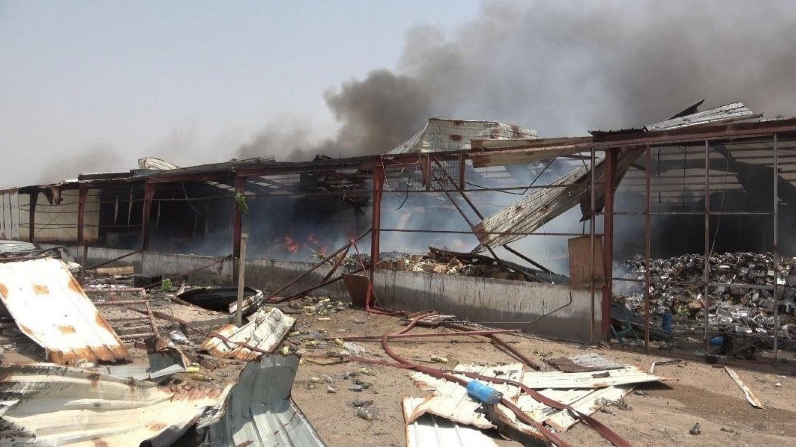 Chính phủ Yemen cáo buộc lực lượng Houthi tấn công kho hàng viện trợ