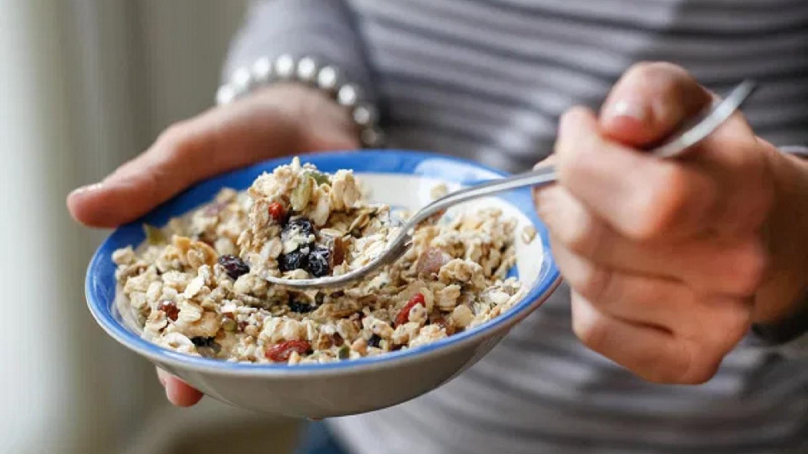 Những thay đổi trong chế độ ăn uống có thể giúp bạn ngủ ngon hơn