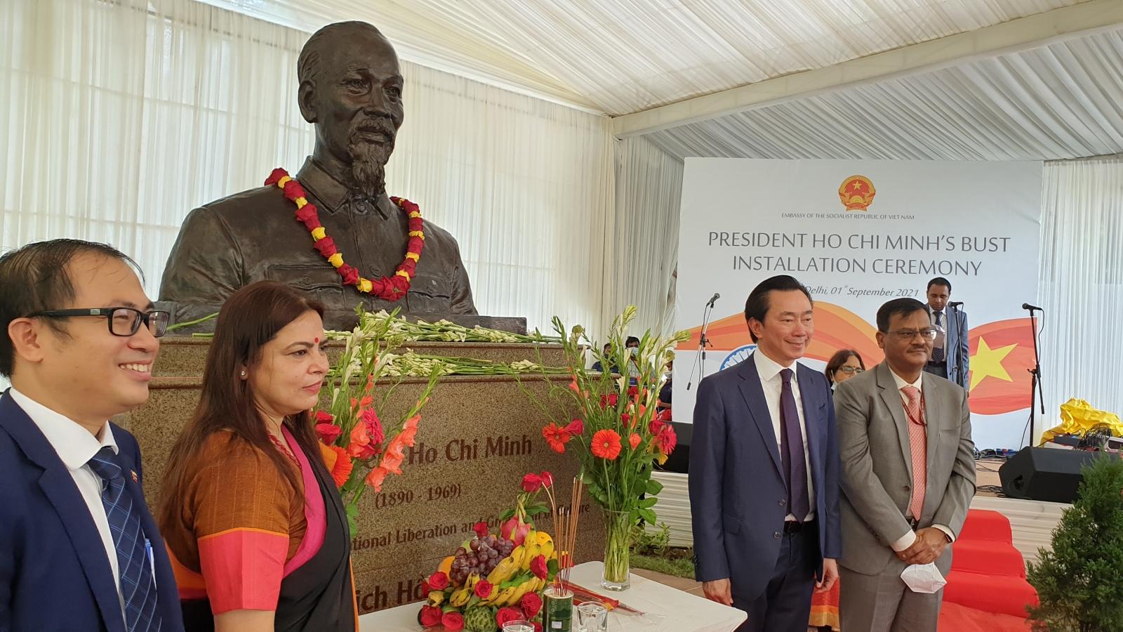 Tổ chức đặt tượng Chủ tịch Hồ Chí Minh tại New Delhi, Ấn Độ