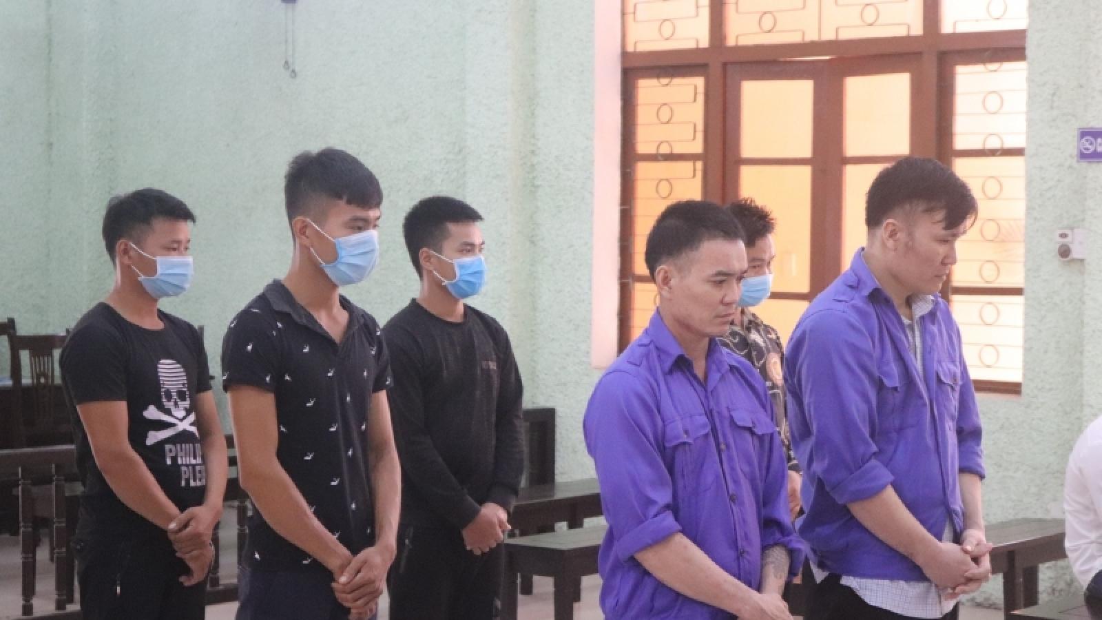 Tổ chức cho người nước ngoài nhập cảnh trái phép, 6 đối tượng lĩnh án tù giam