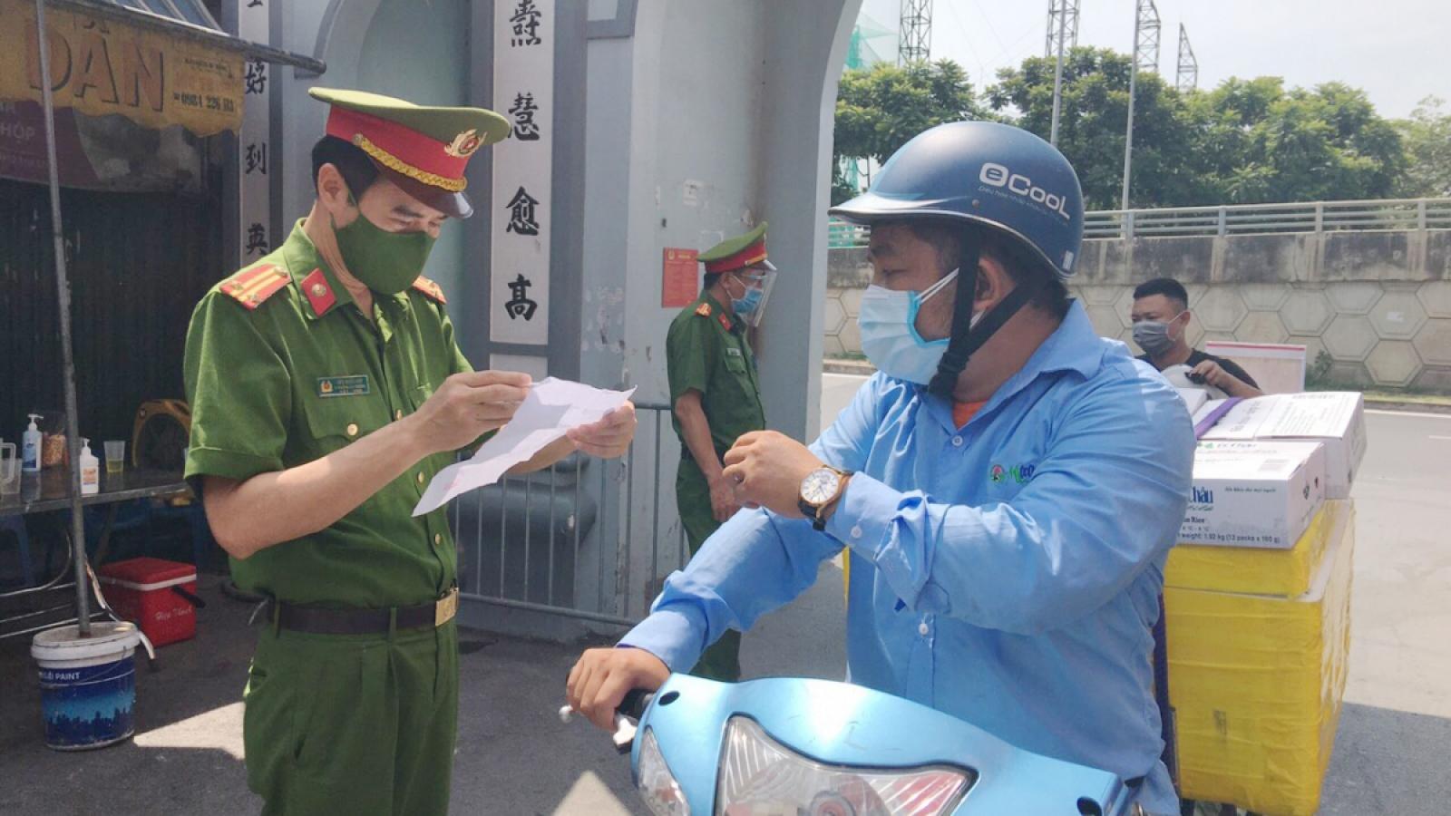 Hà Nội triển khai thêm 39 chốt trực kiểm soát phương tiện ra vào vùng 1