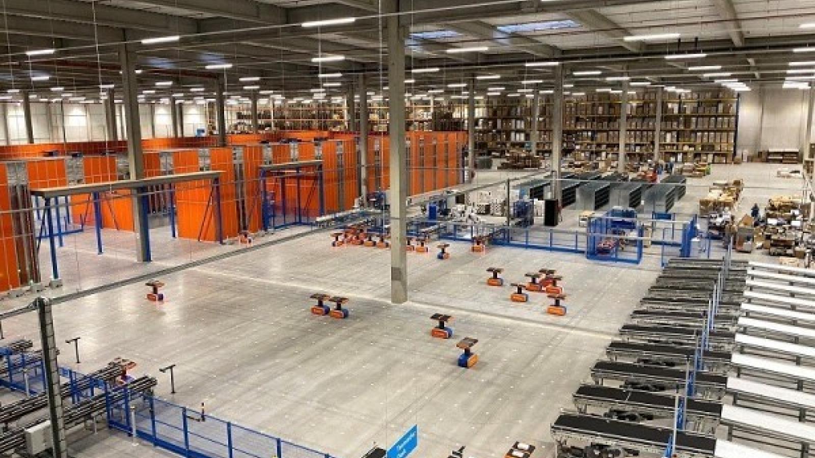Công ty của Bỉ sử dụng người máy để đóng gói bưu kiện