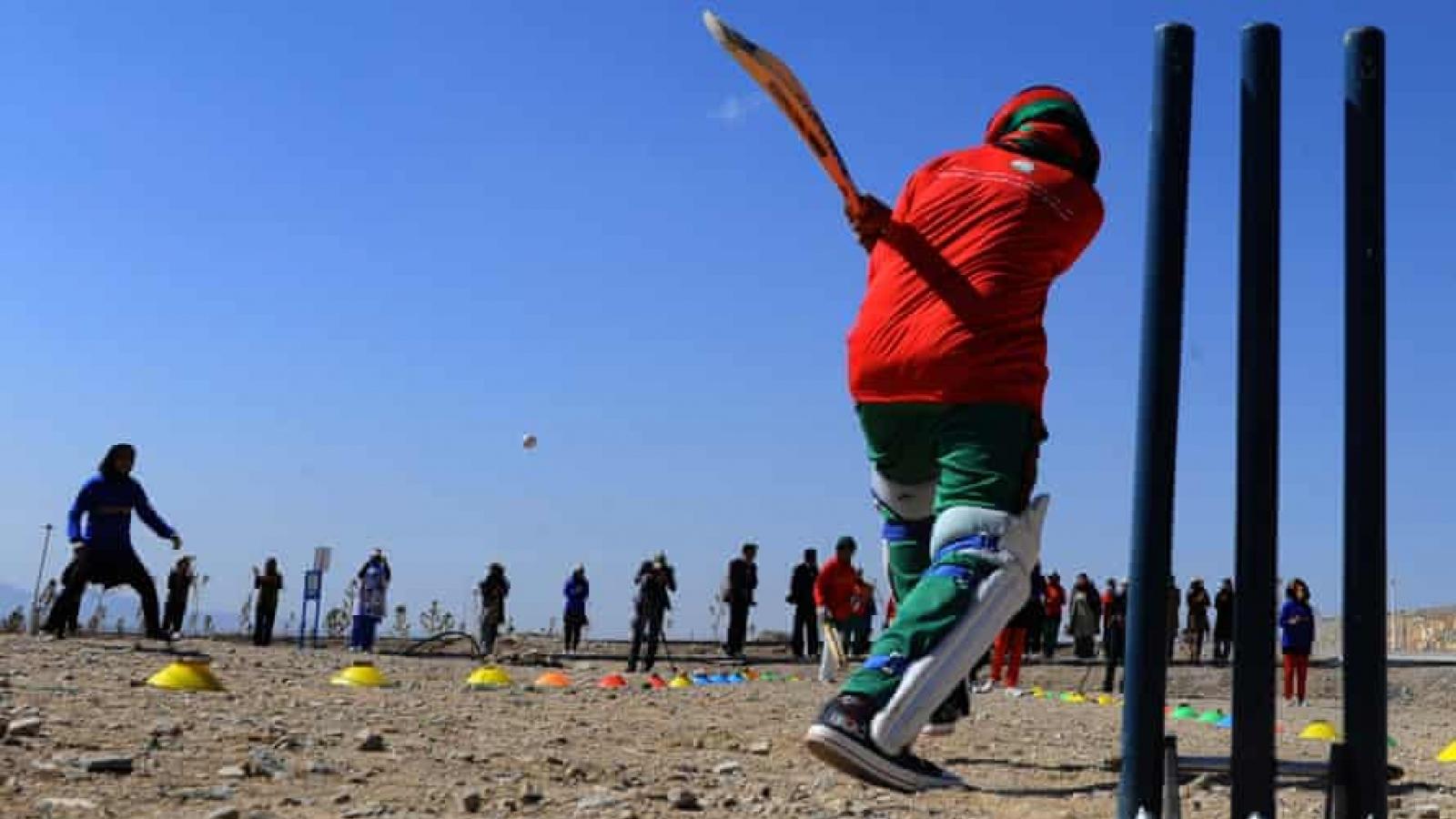 Taliban cấm phụ nữ Afghanistan chơi thể thao