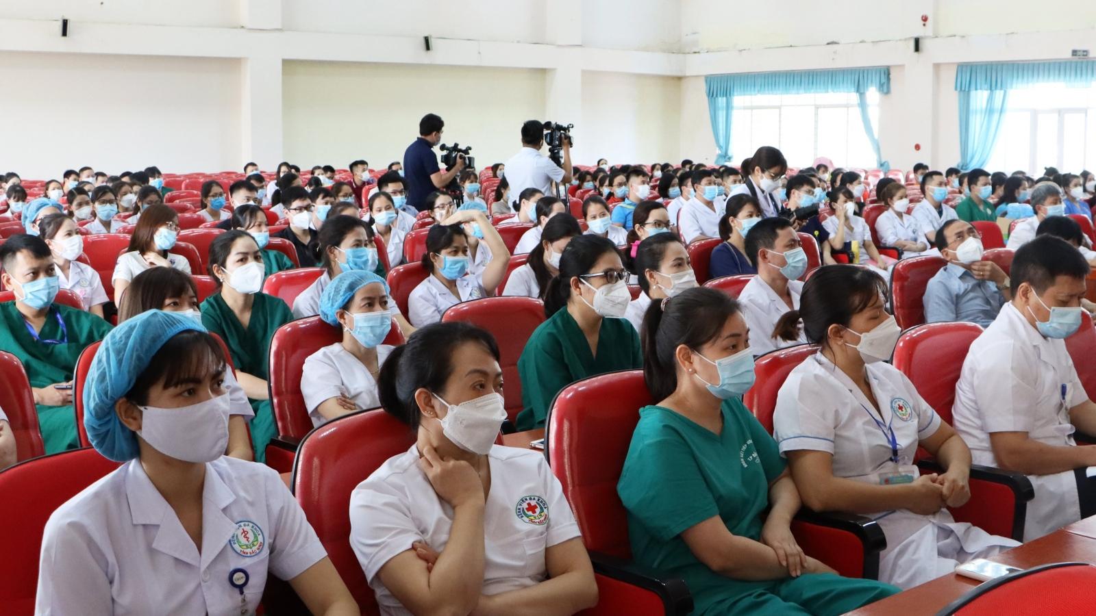 Bắc Ninh cử hơn 200 cán bộ, y, bác sỹ hỗ trợ Hà Nội phòng, chống dịch Covid-19