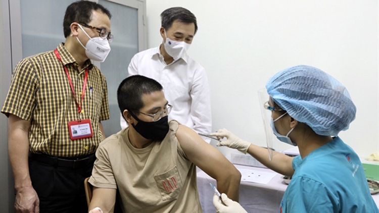 Vietnam starts clinical trial of ARCT-154 vaccine, phases 2,3