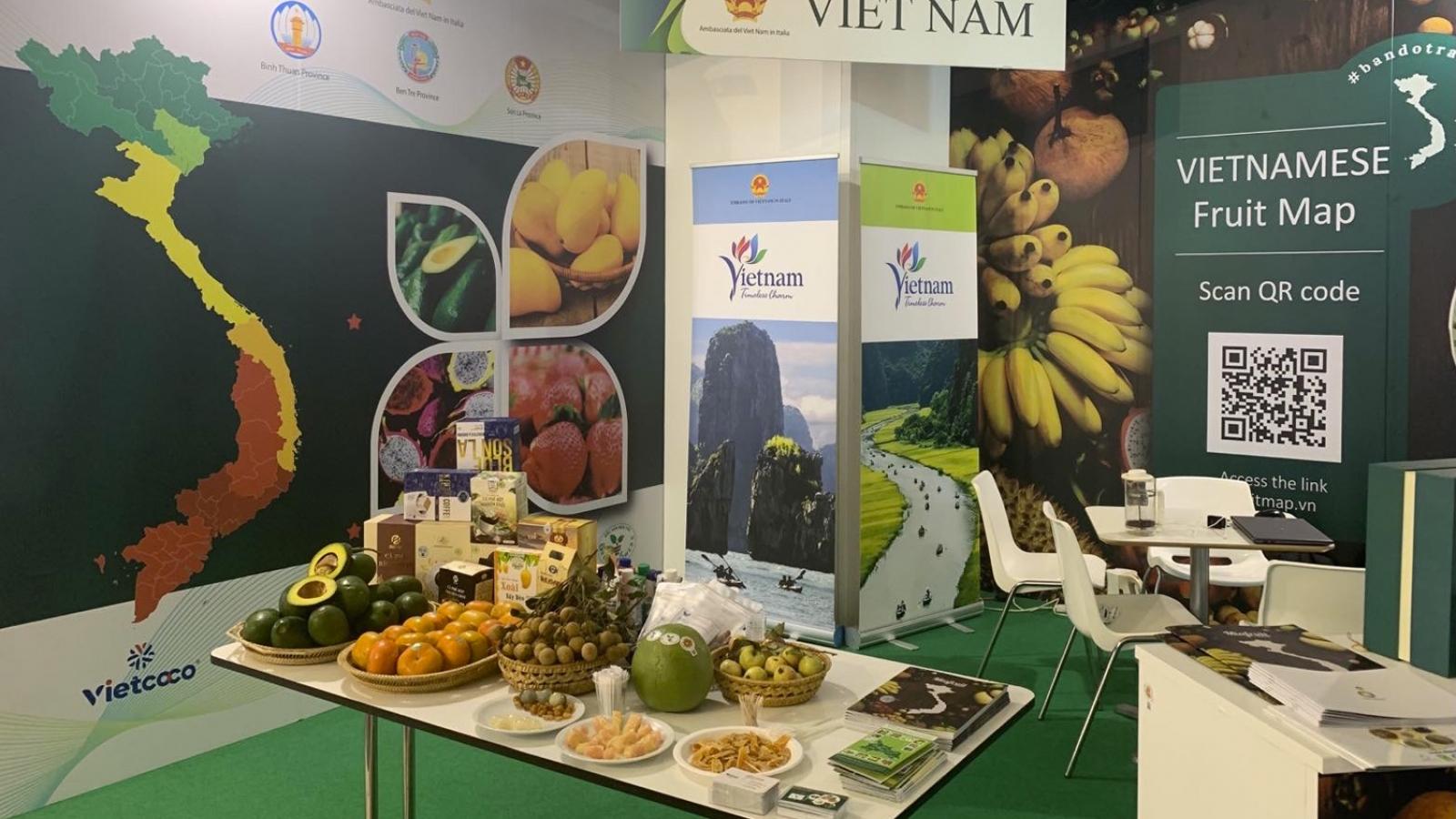 Trái cây Việt Nam hút khách tại hội chợ quốc tế ở Italy