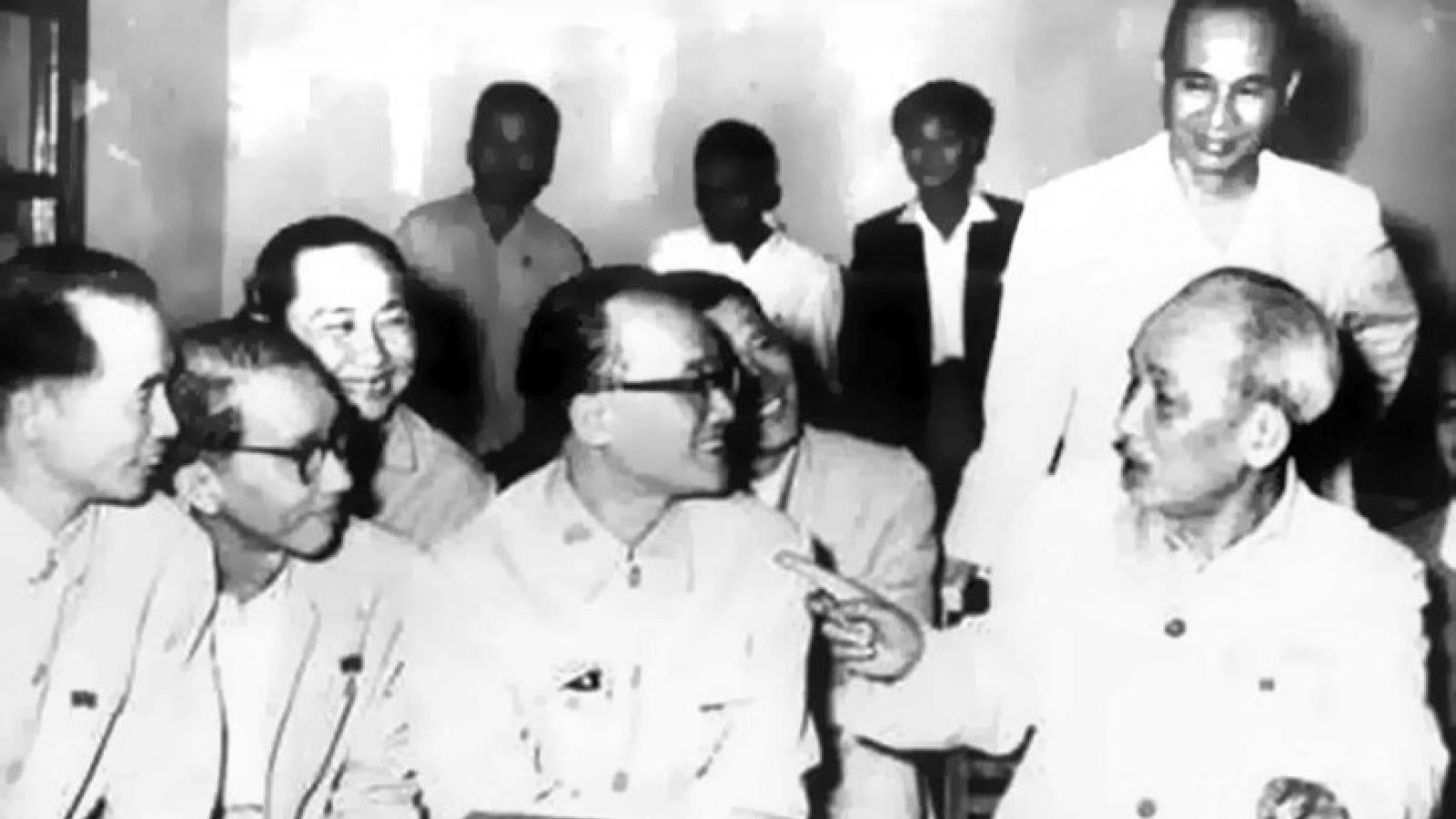 Chủ tịch Hồ Chí Minh và chính sách trọng người tài, trọng văn nghệ sỹ