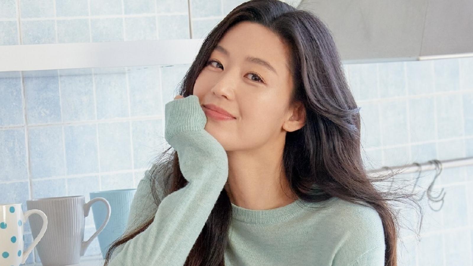 Jun Ji Hyun vượt Kim Soo Hyun trở thành sao Hàn giữ mức cát-xê cao nhất năm 2021