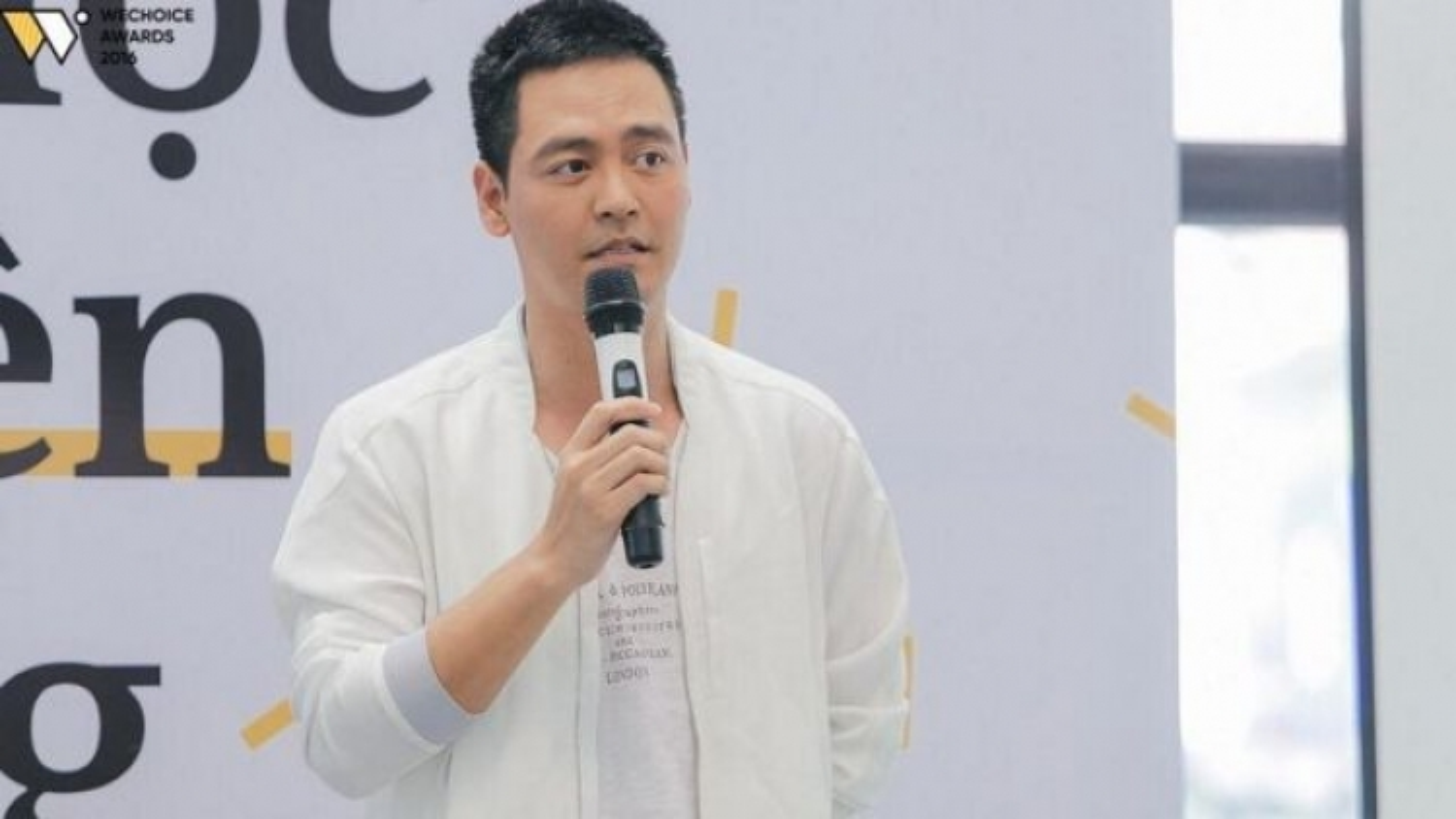 Chuyện showbiz: MC Phan Anh  thừa nhận sai sót trong việc làm từ thiện năm 2016