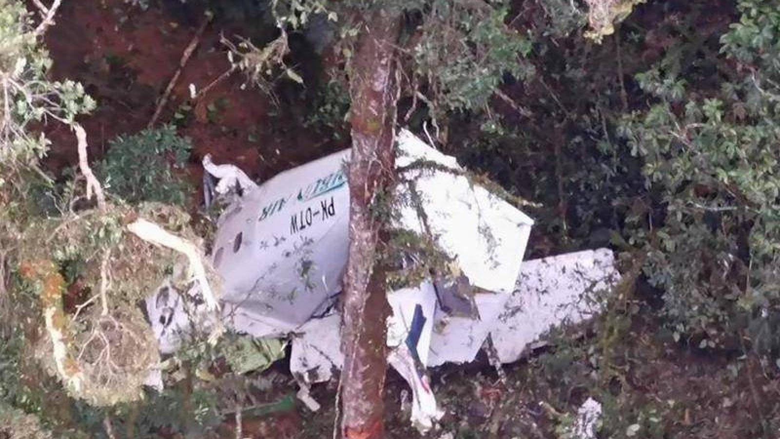 Máy bay chở hàng rơi, phi hành đoàn mất tích ở Indonesia