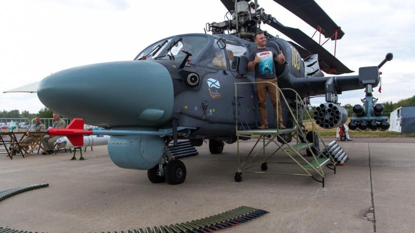 """Trung Quốc tính mua """"Cá mập đen"""" Ka-52K của Nga cho tàu đổ bộ giữa lúc căng thẳng với Mỹ"""