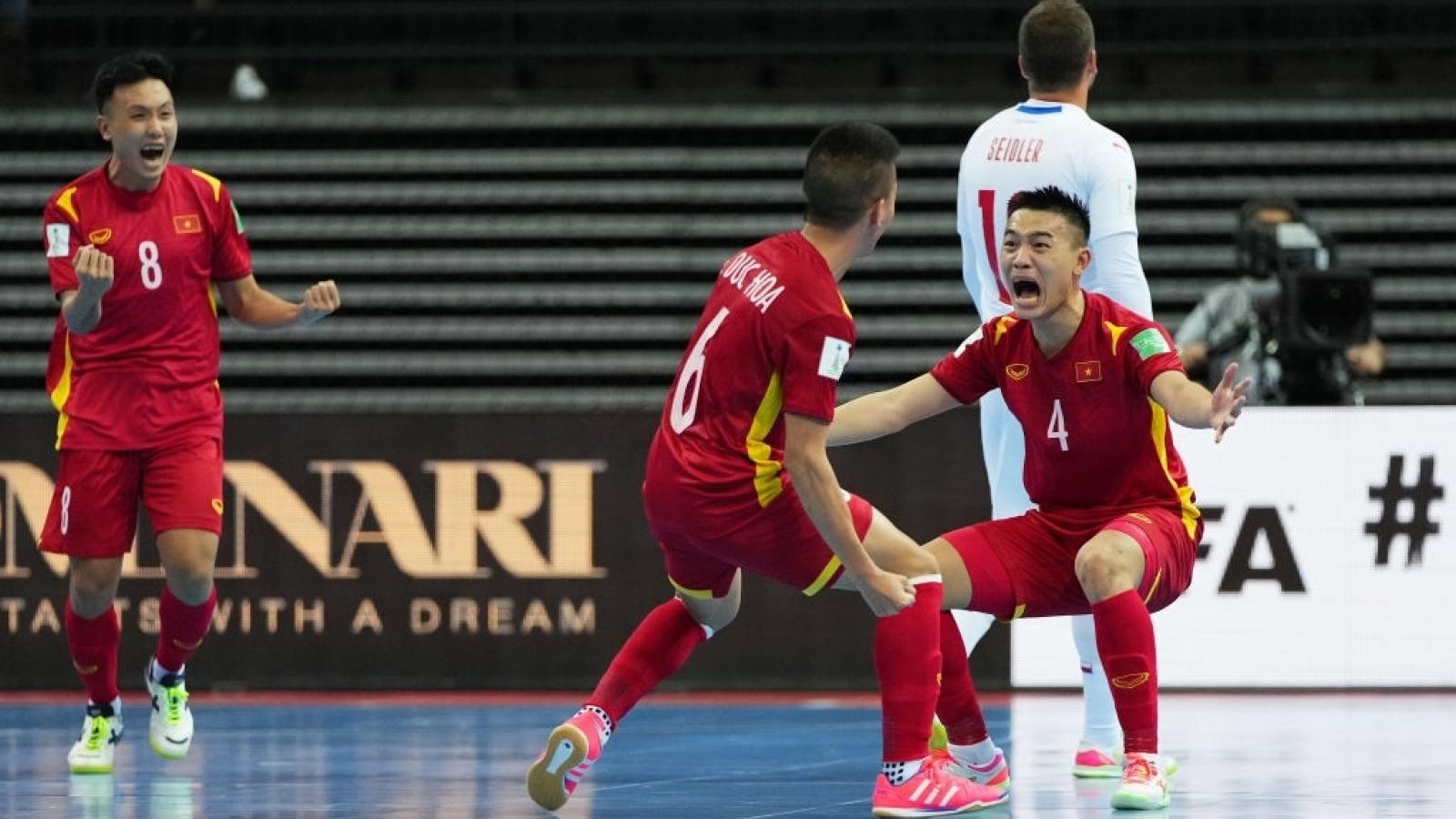 Xuất sắc cầm hòa CH Séc, ĐT Futsal Việt Nam lọt vào vòng 1/8 Futsal World Cup 2021